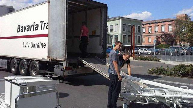 З Німеччини відправляють дві вантажівки допомоги для українських лікарень