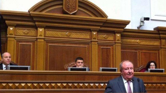 Народні депутати не змогли відправити у відставку керівника апарату Верховної Ради