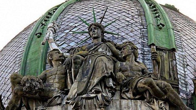 Молодь взялася за порятунок львівської статуї Свободи