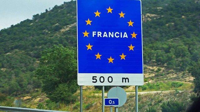 Франція має намір тимчасово відновити прикордонний контроль