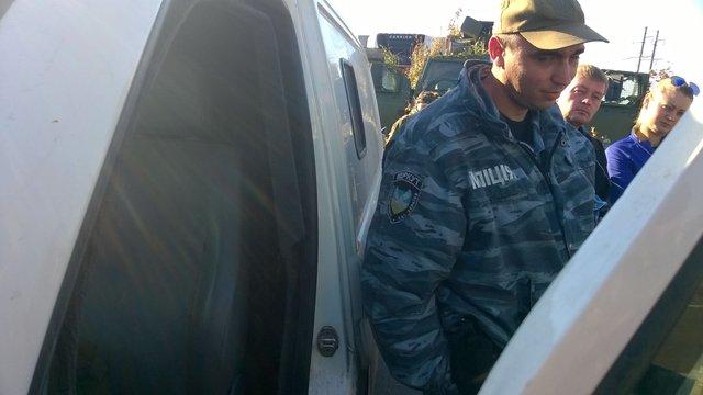 Міліціонерів з Дніпропетровська спіймали на супроводженні контрабанди в «ДНР»