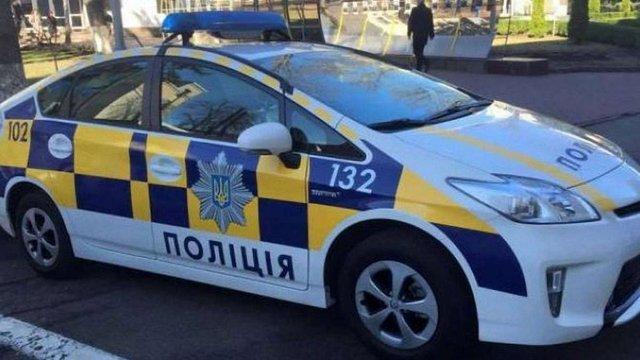 У Києві затримали поліцейського, який викрав шолом учасника ДТП