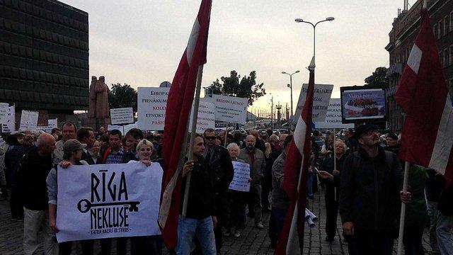 У столиці Латвії відбулася протестна хода проти прийому біженців