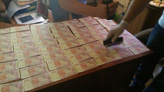 В Одеській області на хабарі затримали слідчого міліції