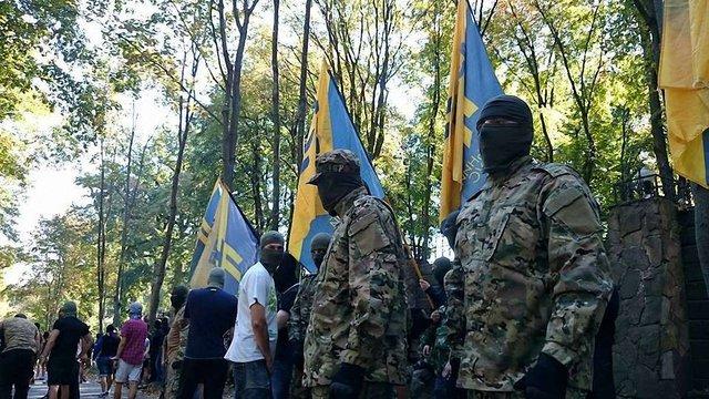 Міліція порушила справу проти активістів за напад на будинок Добкіна в Харкові