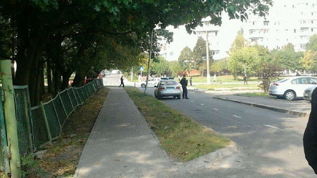 На території школи у Львові знайшли «гранату»