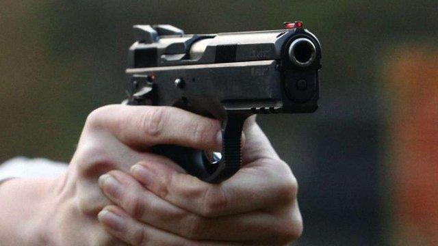 На дитячому майданчику в Одесі застрелили чоловіка
