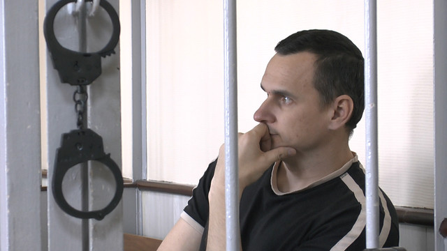 Порошенко нагородив Сенцова ще одним орденом «За мужність»
