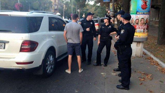 Одеські активісти затримали п'яних генерала і полковника ЗСУ (відео)