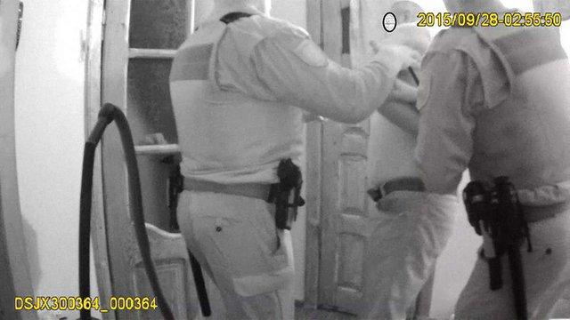 У Львові два екіпажі поліції доставляли до райвідділу майстра спорту з боротьби