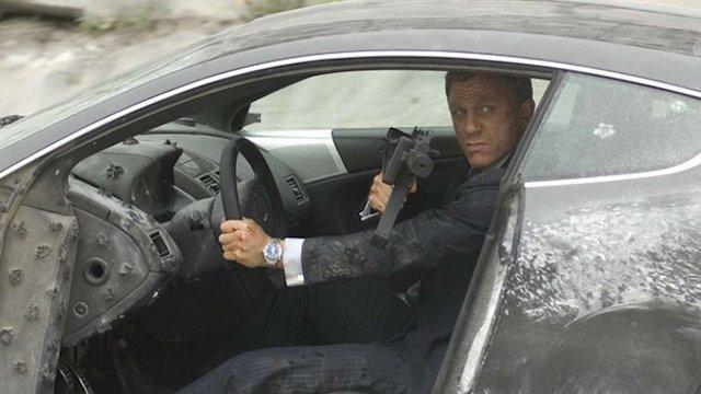 Новий фільм про Бонда встановив рекорд по вартості знищених машин