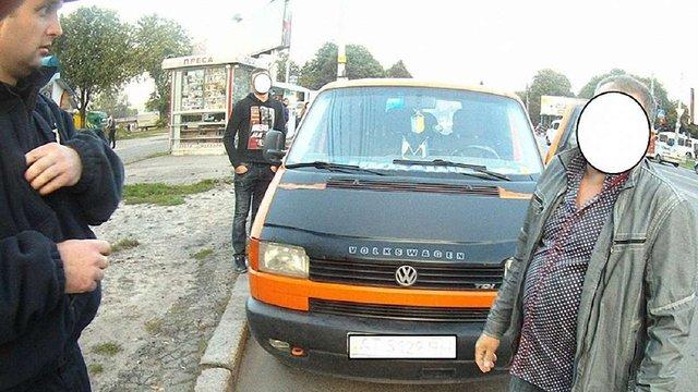 У Львові працівник міліції без документів за кермом втік від поліцейських