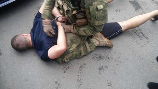 CБУ затримала торговців зброєю в Чернівецькій області