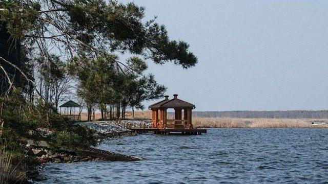 Суд остаточно повернув державі 17,5 га земель Януковича в Сухолуччі