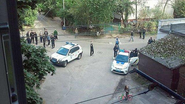 У Львові поліцейські розбороняли учасників масової бійки