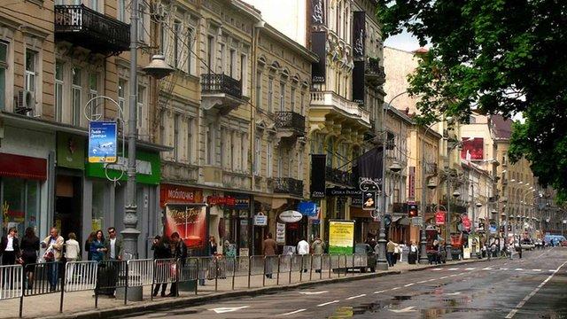 Наступного року історичні центри українських міст очистять від реклами