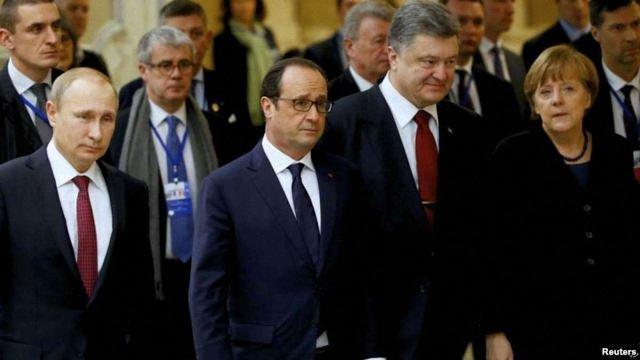У Парижі лідери «нормандської четвірки» розпочали переговори щодо ситуації на Донбасі