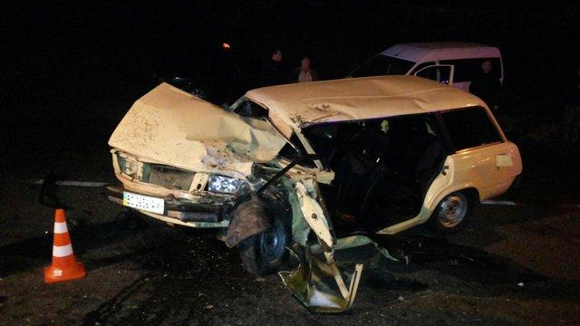 У Львові під час лобового зіткнення постраждав водій