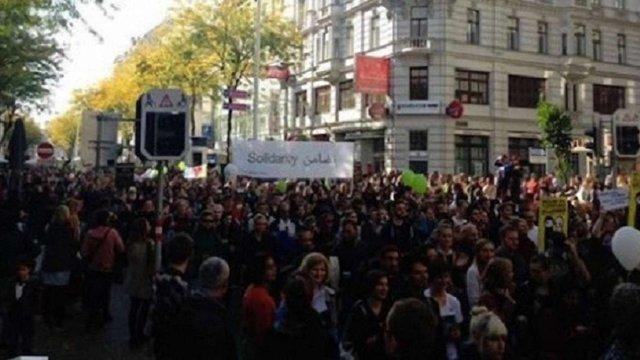 У Відні тисячі людей вийшли на мітинг на підтримку біженців