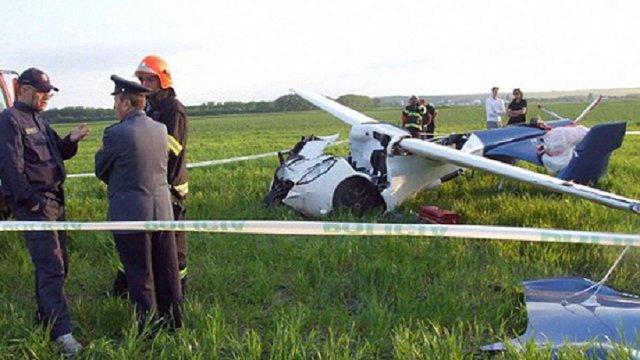 На Львівщині внаслідок падіння легкомоторного літака загинуло двоє людей