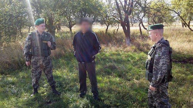 Біля кордону з Польщею затримали афганця