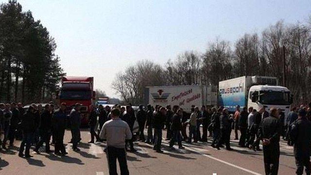 Близько сотні шахтарів перекрили дорогу Ковель - Львів