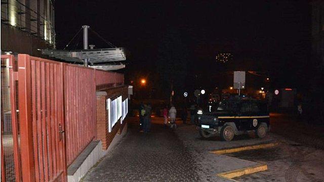 Прокуратура Польщі розслідує вибух на території консульства у Львові