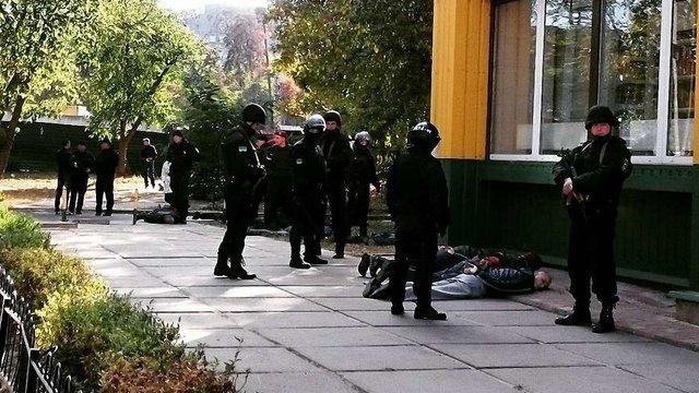 У Києві біля станції метро сталася стрілянина