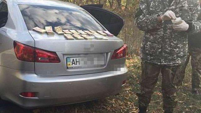 На Донеччині на хабарі затримали двох співробітників СБУ