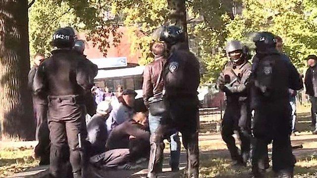 Суд заарештував п'ятьох затриманих під час стрілянини біля метро у Києві