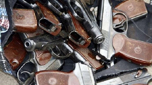 З початку місяця українці добровільно здали до міліції понад тисячу одиниць зброї