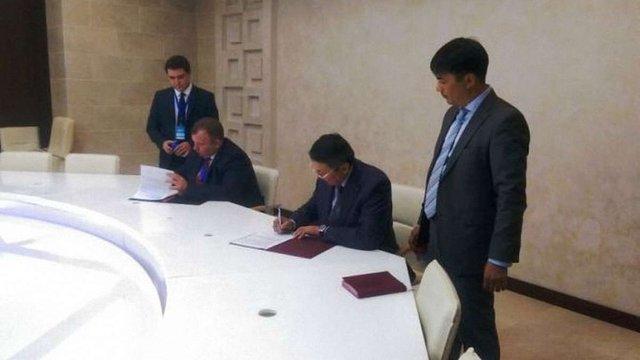 Україна і Казахстан підписали угоду про співпрацю в сфері авіації