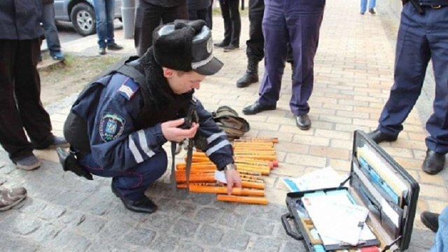 На мітинг у центрі Києва прийшли з ножами, кастетами та піротехнікою, - МВС