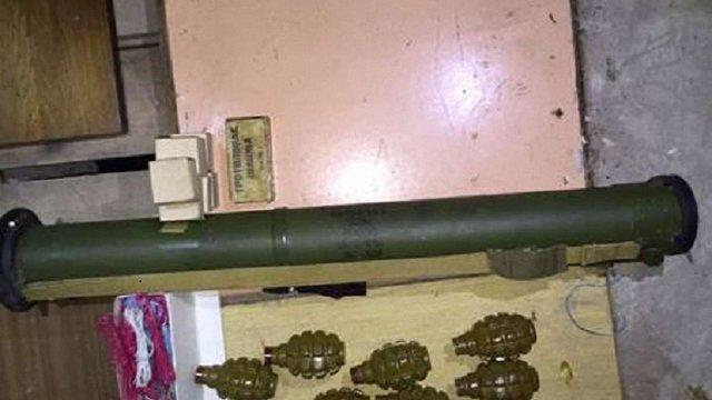 СБУ вилучила у Києві арсенал зброї, вибухівки та боєприпасів
