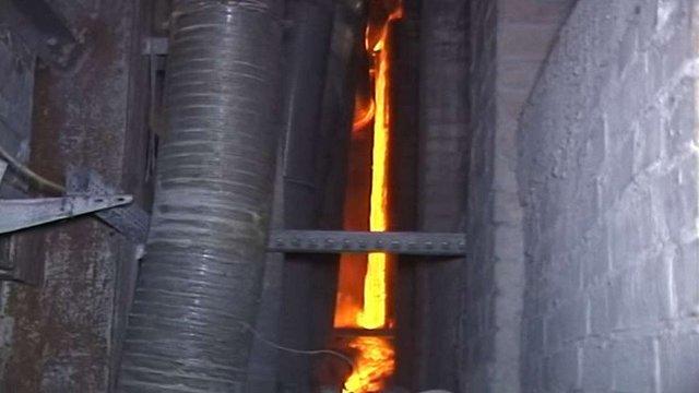 На львівському заводі «Іскра» стався витік розплавленого скла
