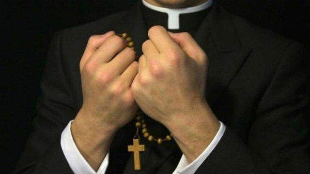 Щонайменше 30 священиків беруть участь у місцевих виборах на Львівщині