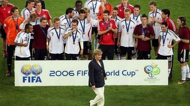 Німеччина підкупила ФІФА для отримання ЧС-2006 з футболу