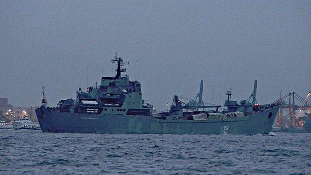 Волонтери повідомили про переміщення двох російських десантних кораблів до Середземного моря