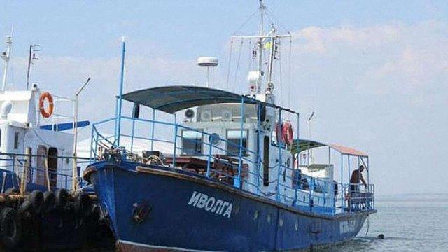 Уряд доручив  найближчим часом підняти на поверхню затонулий у Затоці катер