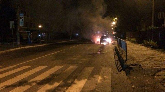 На вулиці Зеленій у Львові загорівся автомобіль таксі