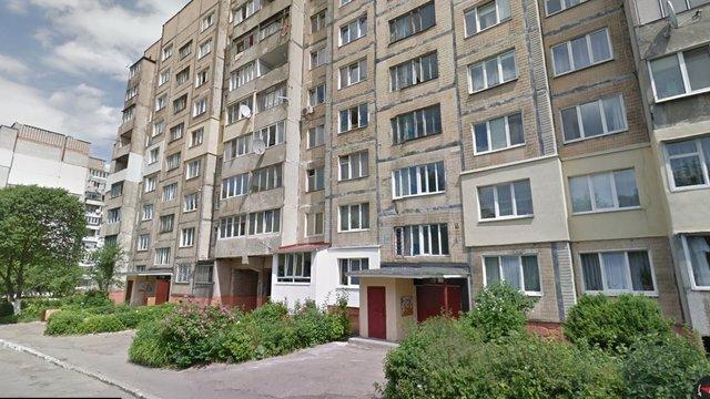 Вночі у Львові з вікна багатоповерхівки обстріляли поліцейських