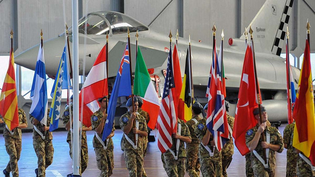 На півдні Європи почалася активна фаза військових навчань НАТО