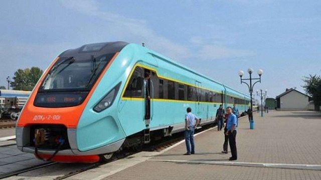 Для проїзду у потязі Львів-Чернівці відкрили продаж електронних квитків