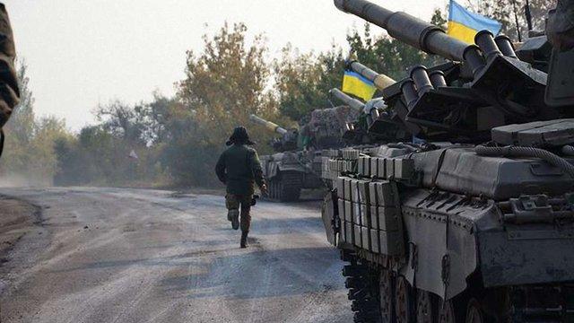 Українські військові відвели від лінії фронту близько 60 танків