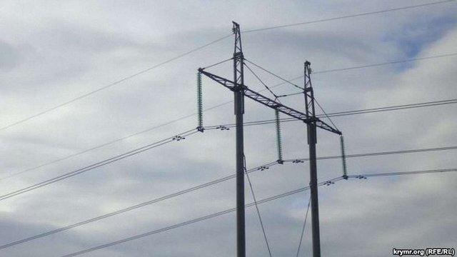 Енергетики відновили пошкоджену лінію електропостачання Криму