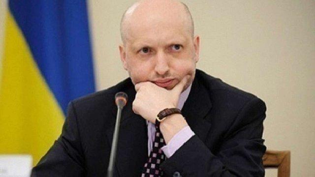 Путін продовжує перетворювати Росію в глобальну військову загрозу, – Турчинов