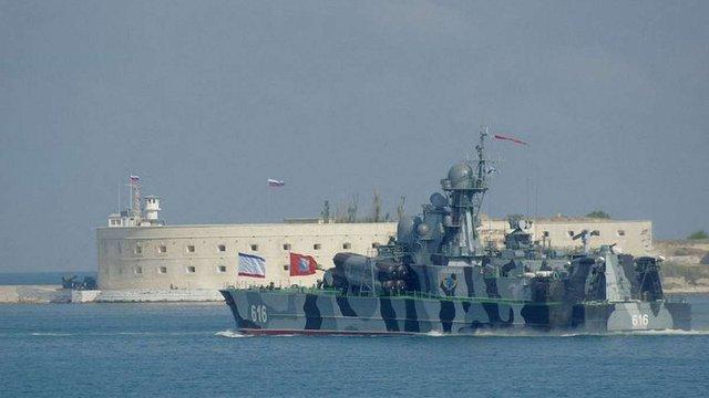 Росія проводить навчання ракетних катерів біля берегів анексованого Криму