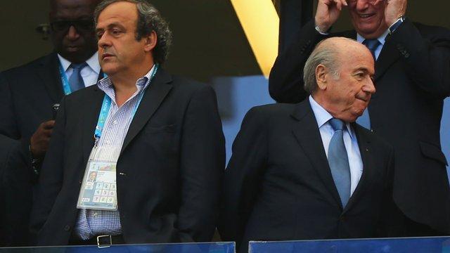 Йозеф Блаттер звинуватив Мішеля Платіні у скандалі навколо ФІФА