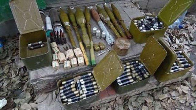 СБУ знайшла у Мар'їнці схованку з понад 300 гранатами