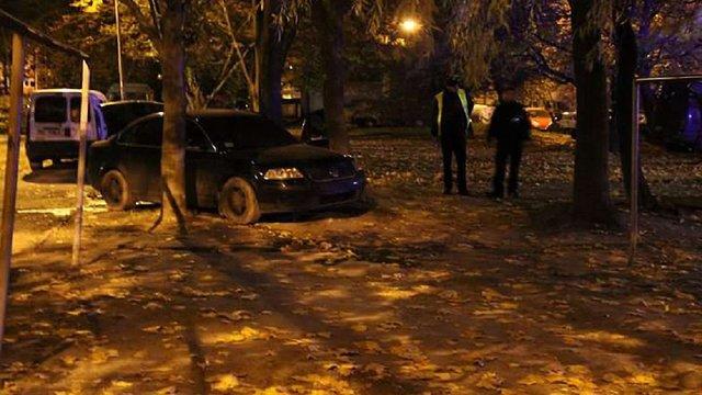 Вночі у Львові горів Volkswagen Passat, очевидці кажуть про підпал